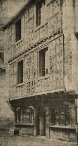 Maisons à pans de bois - La maison aux lys d'Arreau en vallée d'Aure - photo du livre de François Marsan