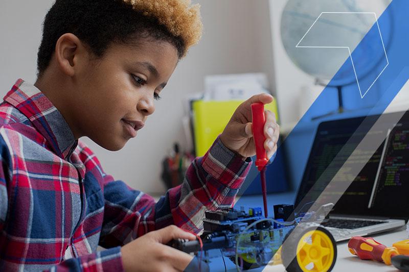 Tecnologia e inovação na educação: estratégias para o desenvolvimento de competências do século XXI