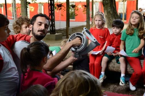 Félix Varejão, durante apresentação do projeto para as crianças do Integral, em 2017