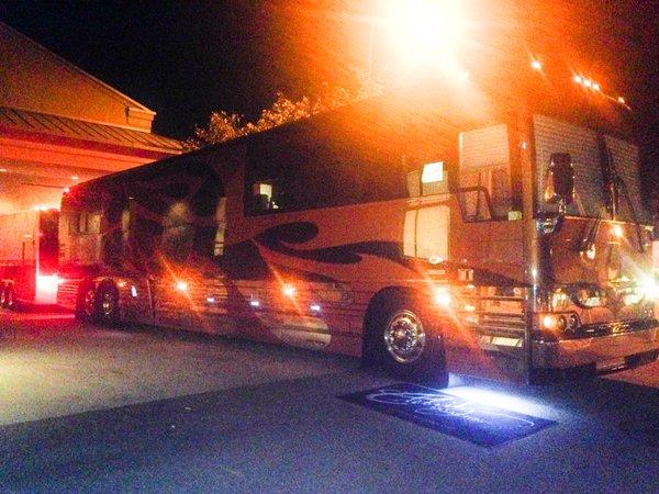 Melissa Etheridge Tour Bus