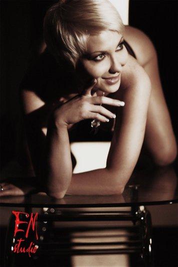Glamour photographer for escort London Paris Barcelona