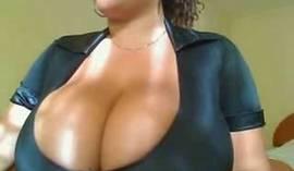 Ebony Webcam Slut With Huge Tits