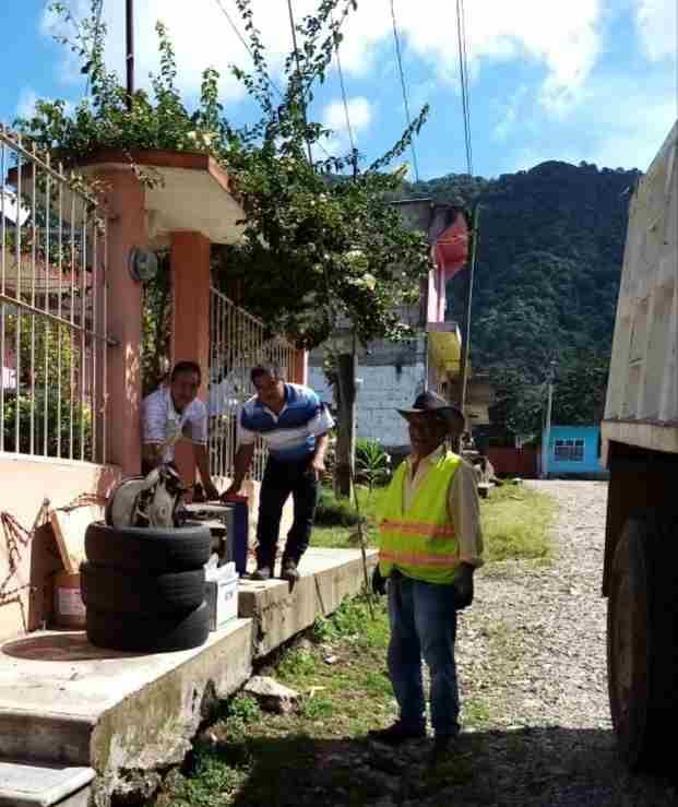 REACTIVAN JORNADAS CONTRA EL DENGUE EN IXHUATLÁN