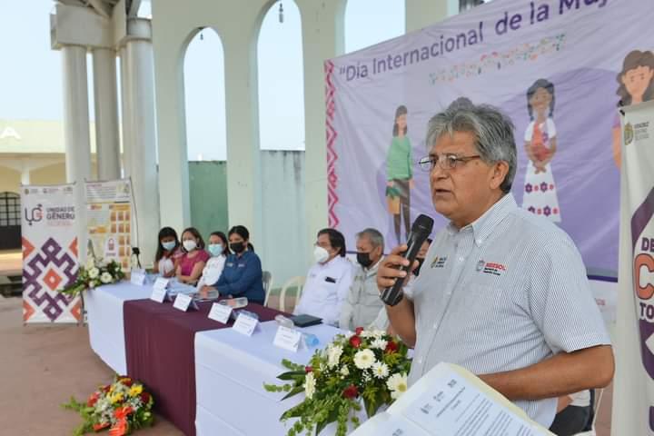 ENTREGAN PROYECTOS DE SEDESOL EN ZENTLA Y CHOCAMÁN
