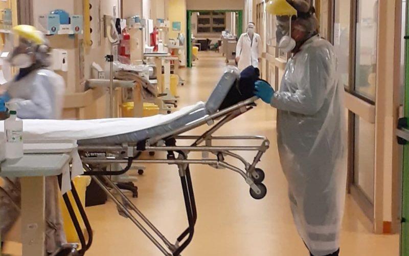 HOSPITALIZAN A NIÑO DE 8 AÑOS TRAS RECIBIR VACUNA COVID DE SINOVAC
