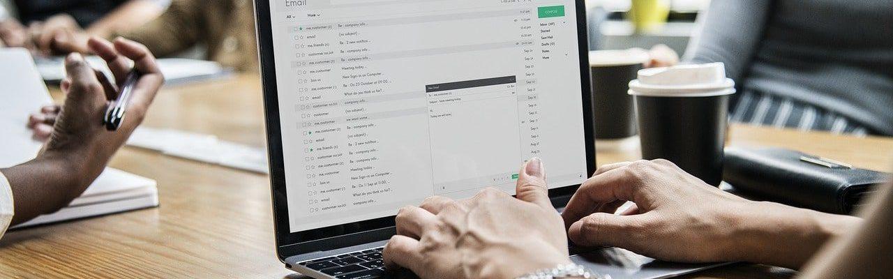 escribir-postdata-email