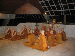 Que es el vinaya? - Recitando el Patimokkha, Wat Pah Nanachat