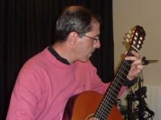 Guitarrista concentrado - Concierto 15/3/14 - Musikum