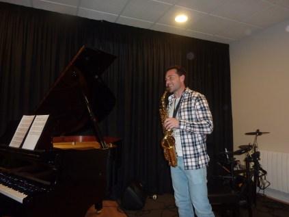 Saxofonista contento - Concierto 15/3/14 - Musikum
