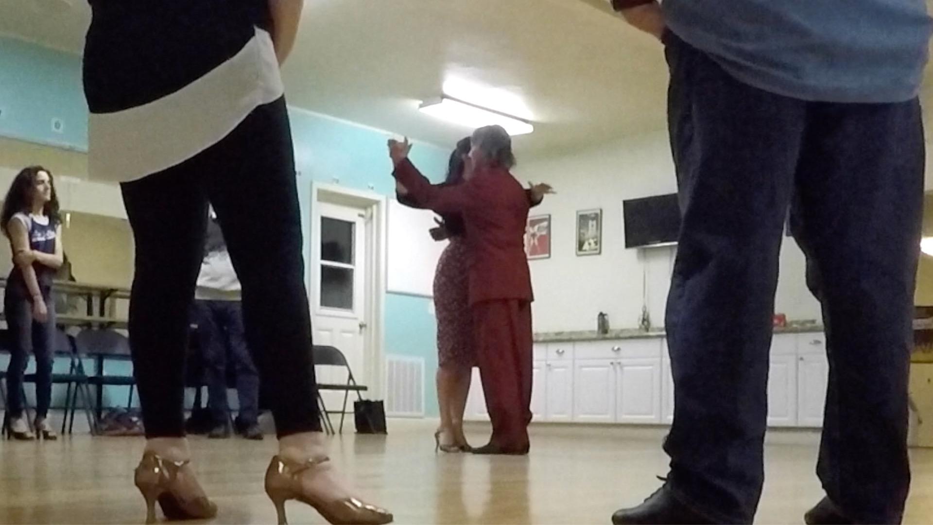 Argentine Tango beginner class with Miranda: walking in Tango