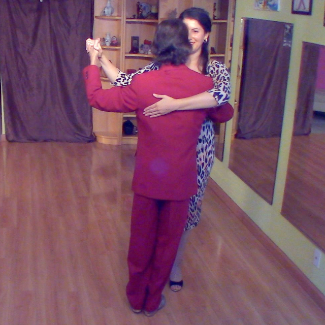 Argentine Tango class: sentada and sentada chain, by Marcelo Solis with Mmi.