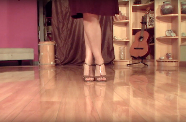 Argentine Tango follower's technique 8- Knees