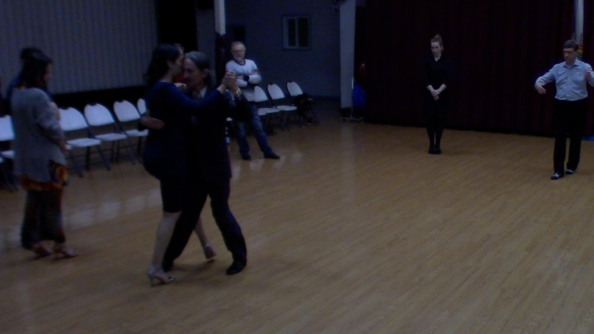 Argentine Tango intermediate class with Mimi: barridas variations
