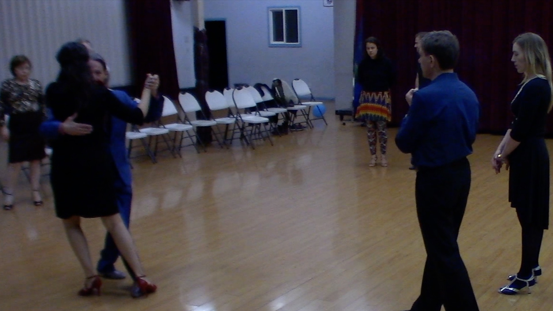 Argentine Tango intermediate class with Mimi: barridas