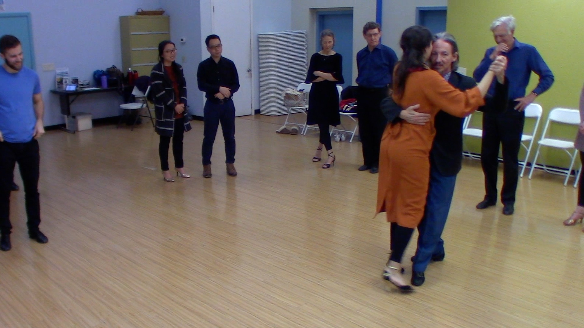 Argentine Tango intermediate class with Mimi: elements for dancing at milongas 4