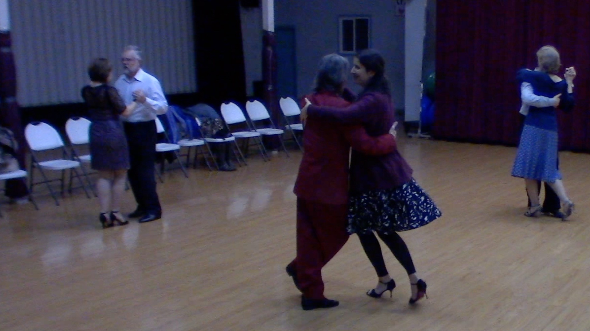 Argentine Tango intermediate class with Mimi: turn variation with sacada