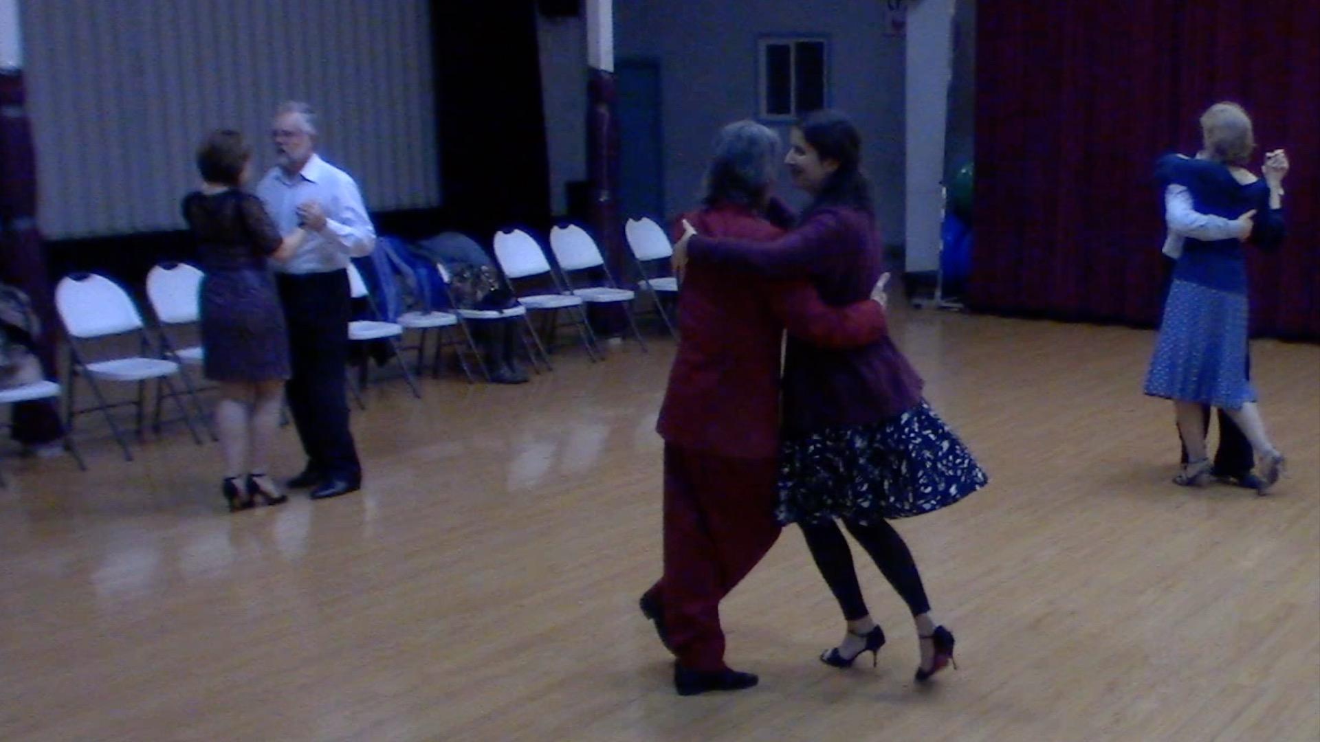 Argentine Tango intermediate class with Mimi: turn variation with sacada