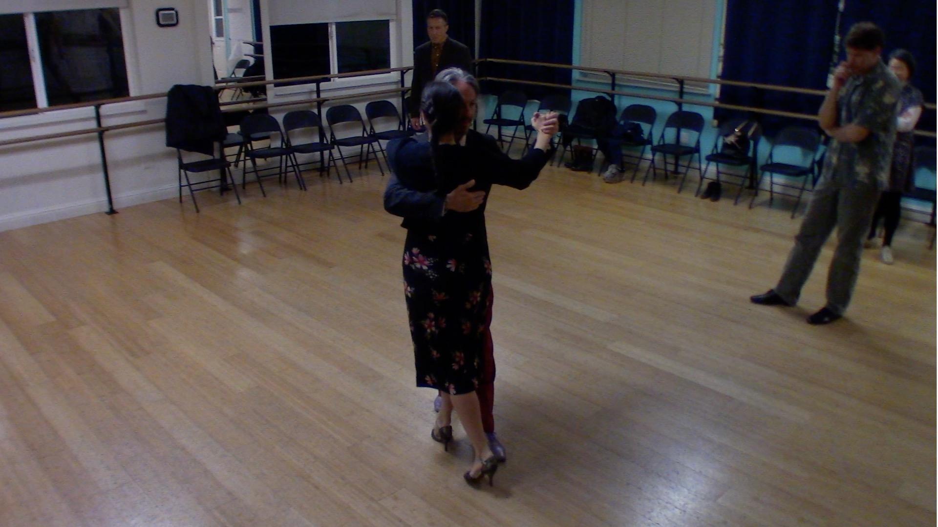 Argentine Tango intermediate class with Miranda: back ocho and turn combination final review