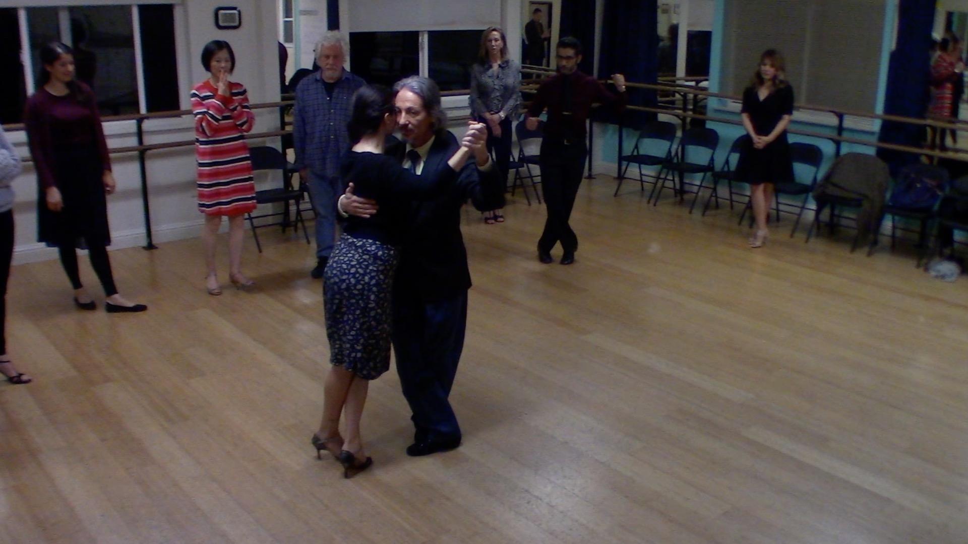 Argentine Tango intermediate class with Miranda: crossed salida alternative exit 2