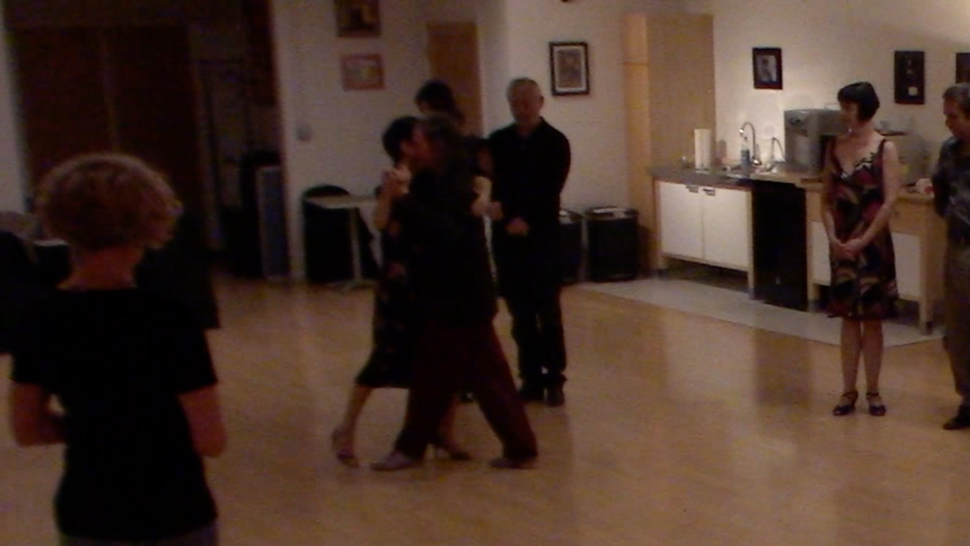 Argentine Tango intermediate class with Miranda: doubles on the closed side