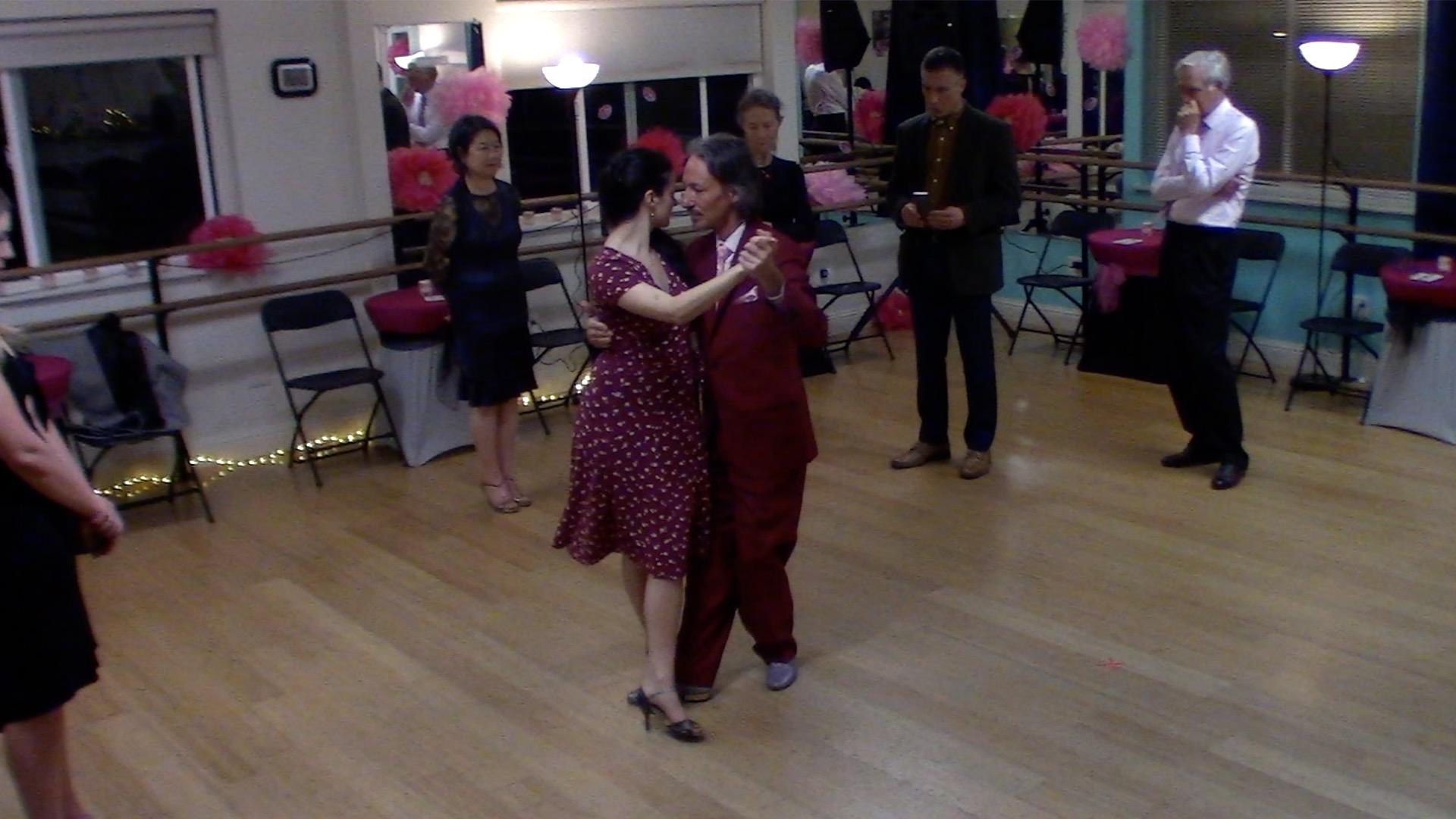 Argentine Tango intermediate class with Miranda: final review