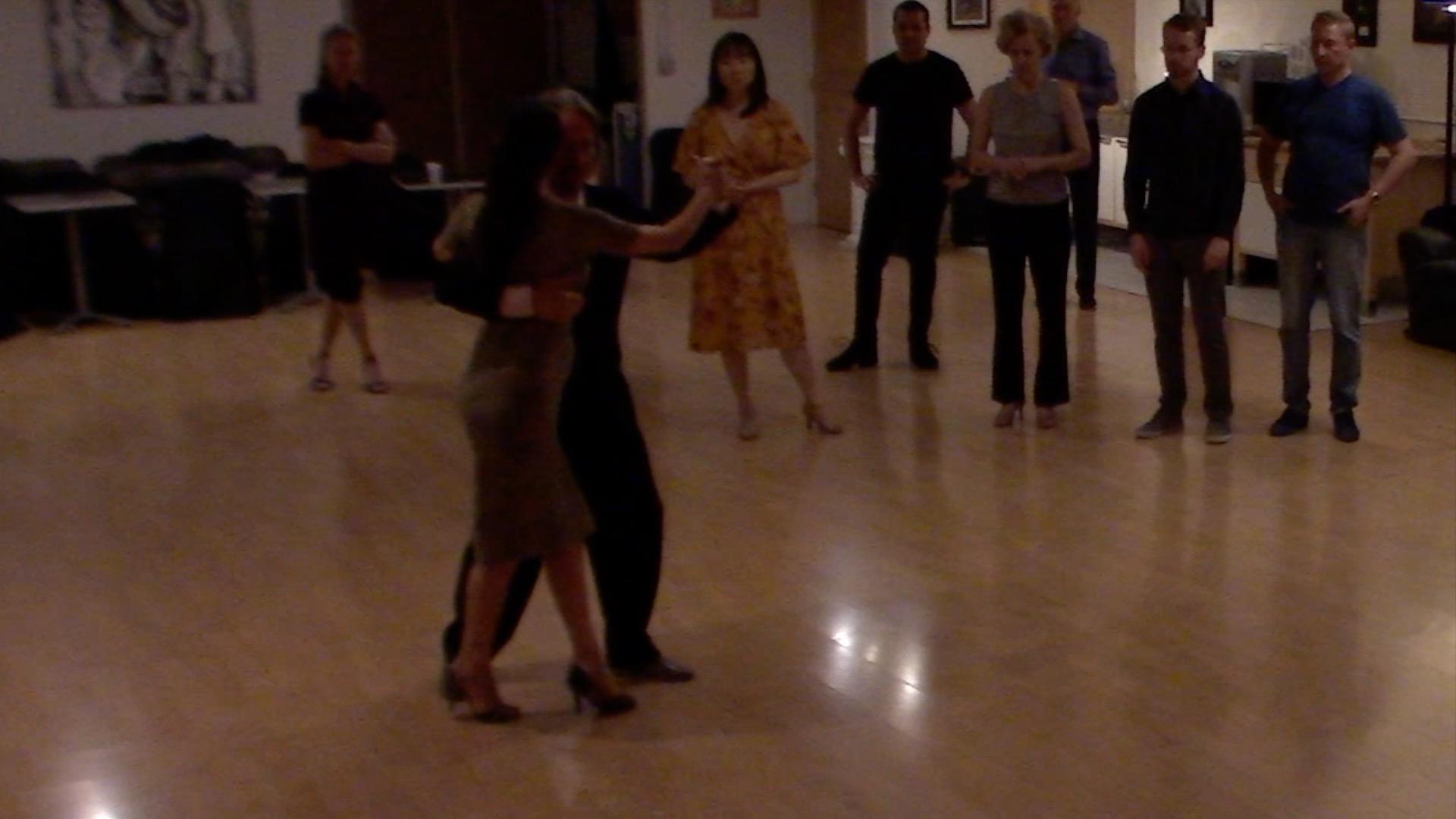Argentine Tango intermediate class with Miranda: sequence with backward ocho