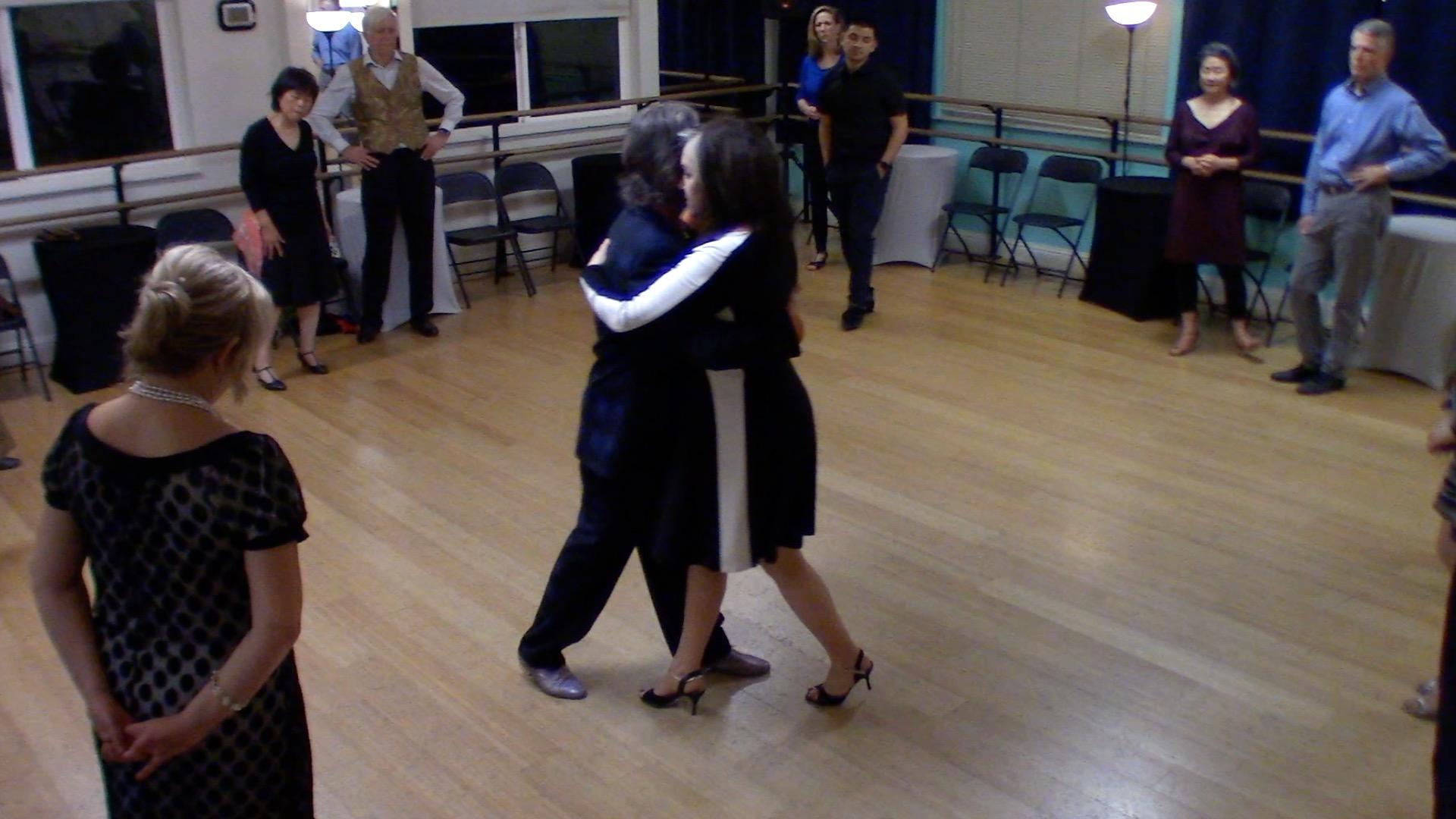 Argentine Tango intermediate class with Suzanne: crossed sytem walk 2