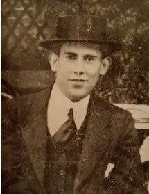 Evaristo Carriego, Argentine poet. Music at Escuela de Tango de Buenos Aires.