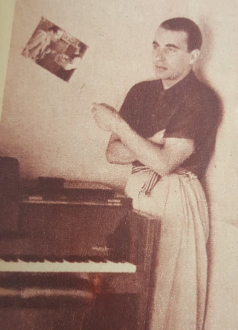 Lucio Demare with his piano   Argentine Tango music to learn to dance at Escuela de Tango de Buenos Aires