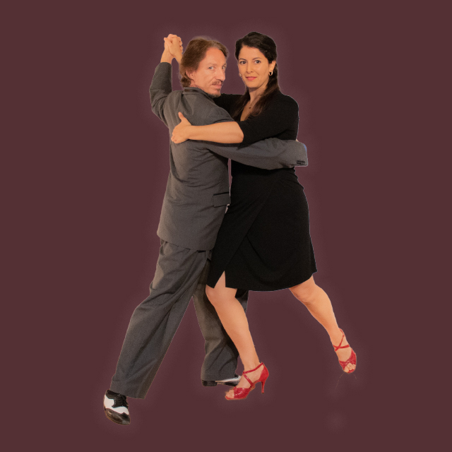 Marcelo Solis dancing Argentine Tango with Mimi at our virtual class.