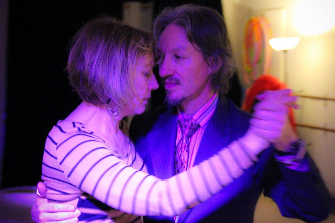 Milongueando with Susan at Lafayette milonga. Escuela de Tango de Buenos Aires.
