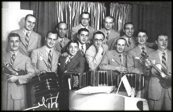Edgardo Donato. Music at Escuela de Tango de Buenos Aires.