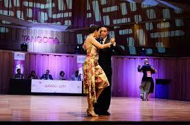 Fer Valenzuela. Escuela de Tango de Buenos Aires. Group and private lessons. Al levels.