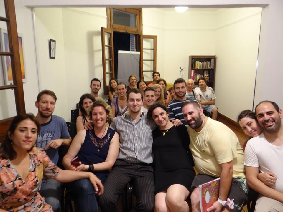Grupo de estudio - Escuela Todo Es Uno - Foto Leandro Tiberio