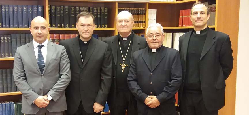 Representantes de la Fundación y del Consejo Pontificio.