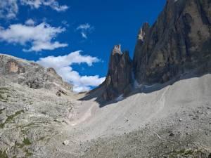 la Forcella Giralba (2431m) vista dal Rifugio Comici