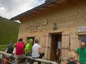 Sosta al Rifugio Stevia (2312 m)