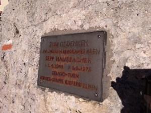 Zum Gedenken an unseren bergkameraden Sepp Hausbacher 9.4.1944 6.9.1975 Delago Turm Bergst - Gruppe Kierfersfelden