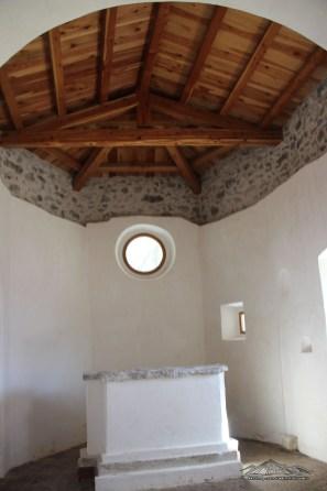 Interno della chiesa ristrutturata di Palcoda
