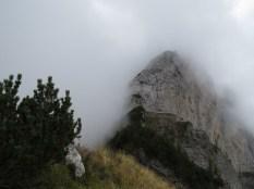 La Palazza appare tra le nubi