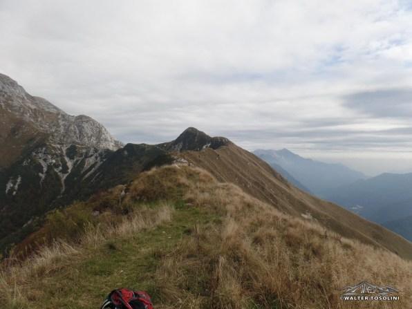 Sentiero in cresta verso il Guarda