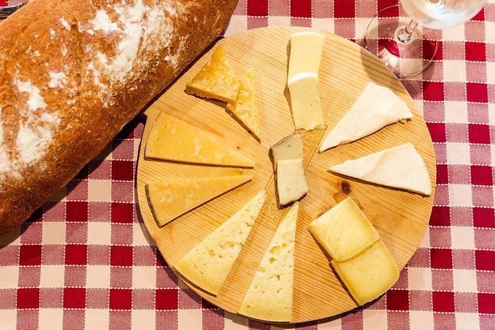 5 consigli per comporre un perfetto tagliere di formaggi di alpeggio