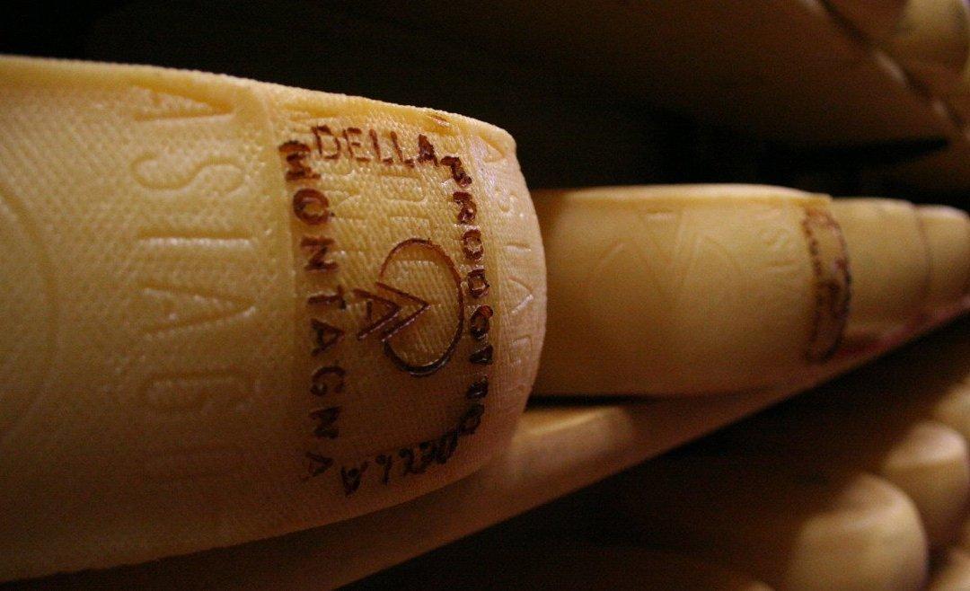Il buon formaggio dell'Altopiano: Asiago DOP Prodotto della Montagna