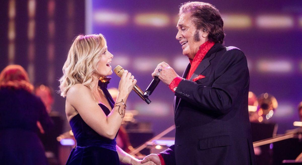 Helene Fischer Christmas Concert December 2020 🇬🇧 Engelbert Humperdinck duets with Helene Fischer on annual