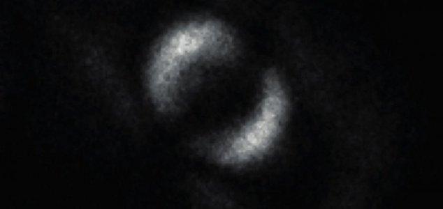 """Pela primeira vez, os cientistas conseguiram capturar o fenômeno """"assustador"""" de Einstein em vídeo!"""