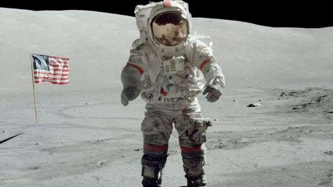 NASA: primeira mulher a andar na Lua em 2024.