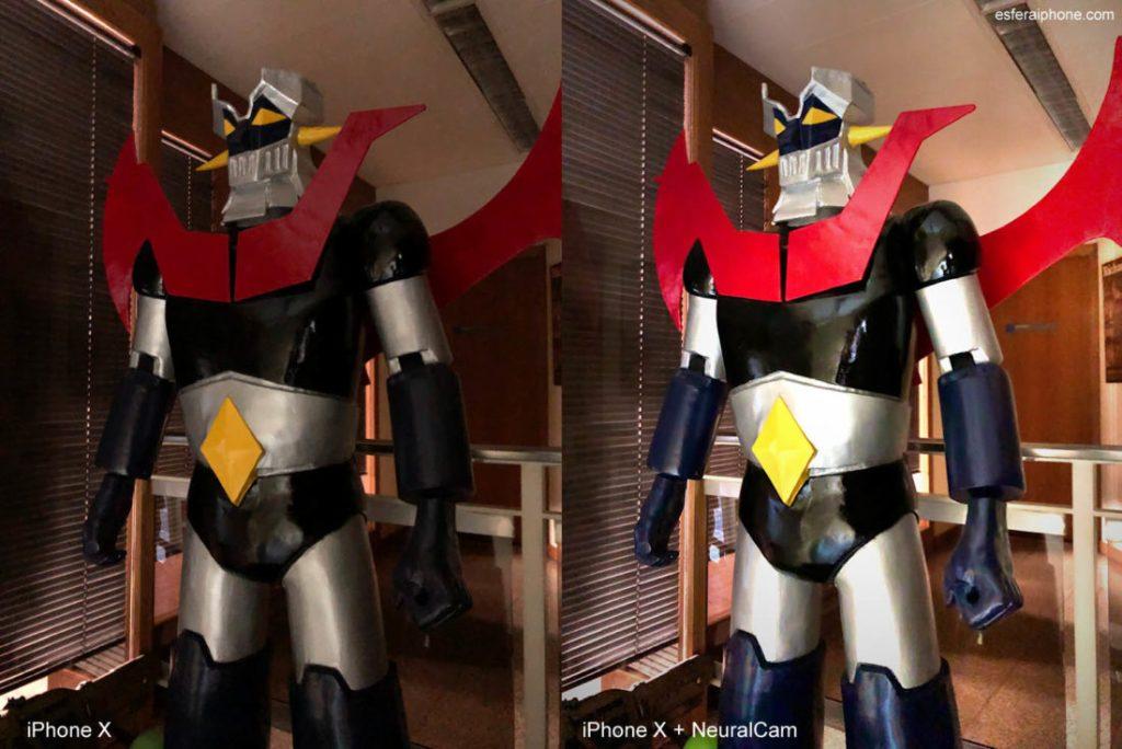 Dos imágenes de una figura de Mazinger Z. Una hecha con la app de cámara normal del iPhone X y la otra con la app NeuralCam. La segunda se ve más luminosa y con colores más vivos.