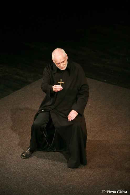 _1_The_grand_inquisitor_Bouffes_du_Nord_Theatre__France__2008