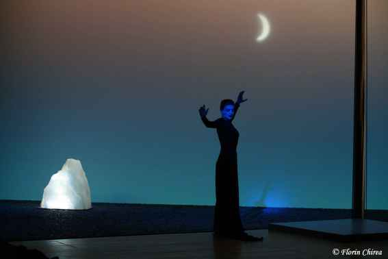_1_Woman_of_the_Sea__Change_Performing_Arts__2008