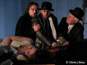 Twelfth_Night__National_Theatre_of_Craiova__2006